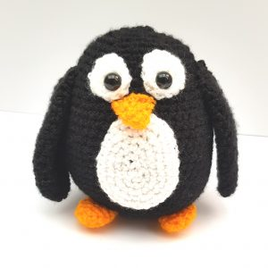 amigurumi animal - crochet penguin - www.thecrochetcraftco.co.uk