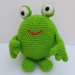 amigurumi animal - crochet frog - the crochet craft co