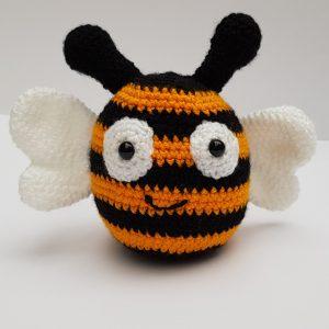 amigurumi animal - crochet bee - the crochet craft co